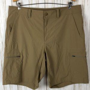 L.L. Bean Stretch Nylon Zip Cargo Khaki Shorts 35